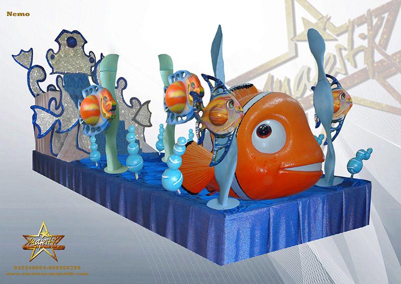 Carroza infantil con figuras de Nemo