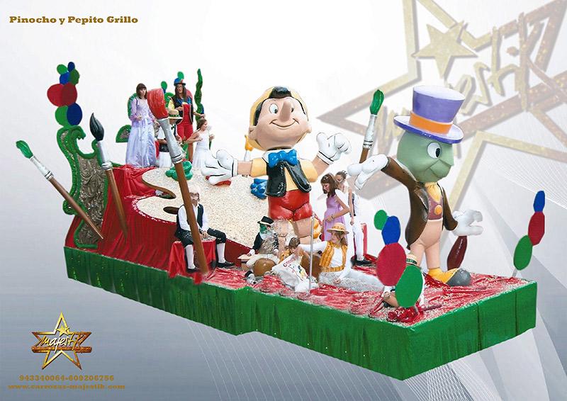 carroza infantil de Disney con figura de pinocho y pepito grillo